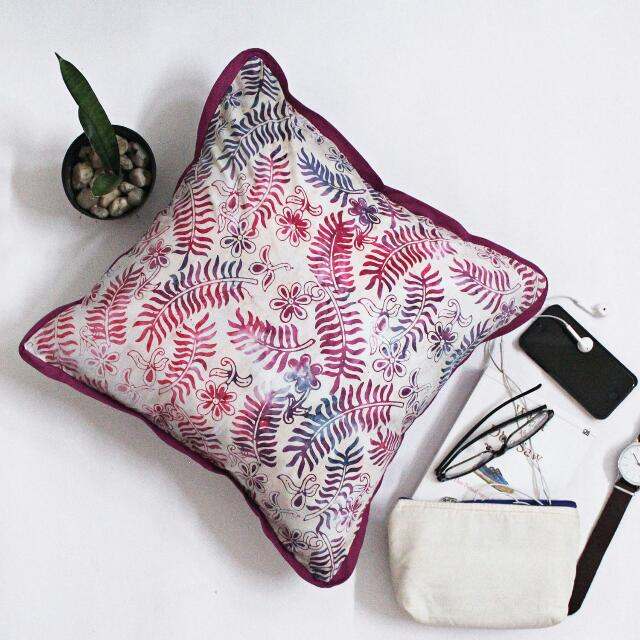 Decorative Cushion B10