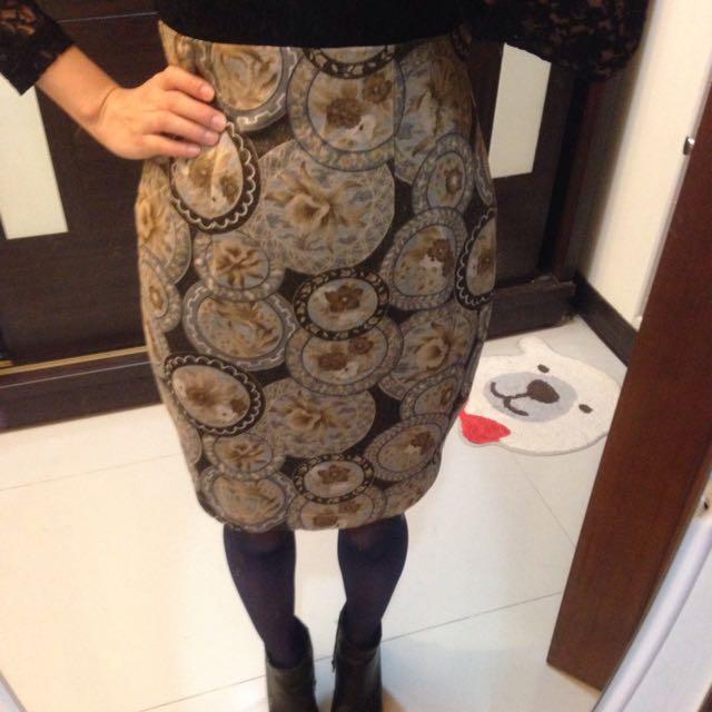 [vintage]美麗花朵繪圖 特殊微金質地 顯瘦造型窄裙
