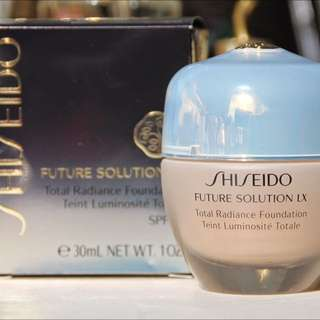 Shiseido Future Solution LX, Total Radiance Foundation