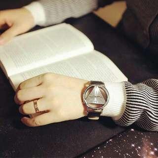 🚚 全新 | 三角摟空手錶