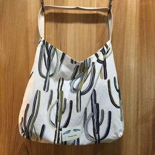 韓國時尚❤️仙人掌休閒布包