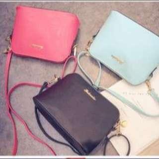 粉紅款側背包包