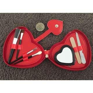 Pocket Size Manicure/Beauty Set