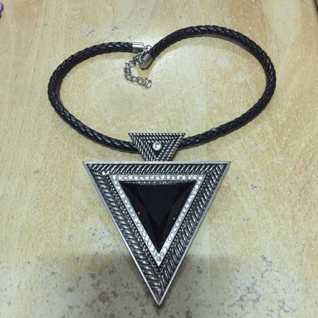 (含運)歐美大三角形項鍊
