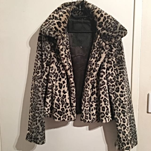Faux Fur coat SIZE S