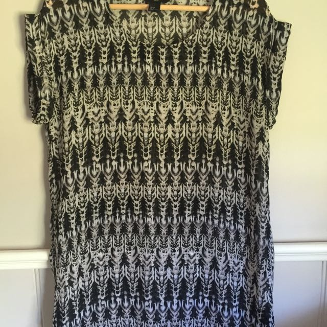 H&M Patterned Chiffon Dress
