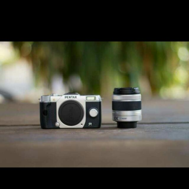 Pentax Q10 Mirrorless Camera