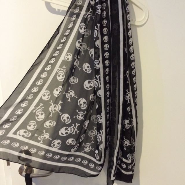 💀silk scarf