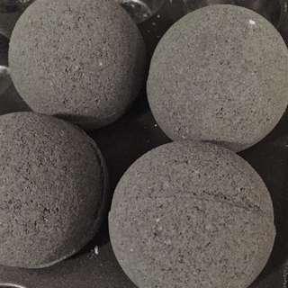 Activated Charcoal Tea Tree Oil Detox Bath Bomb Fizzy Foamy Bath Ball Fizz Bubble Bath Foam Bathbomb
