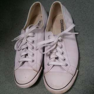 Size 6 Leather Converse