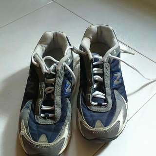 Preloved New Balance Shoes.