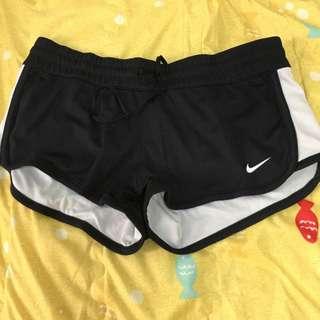 (保留中哦  Nike運動短褲M號