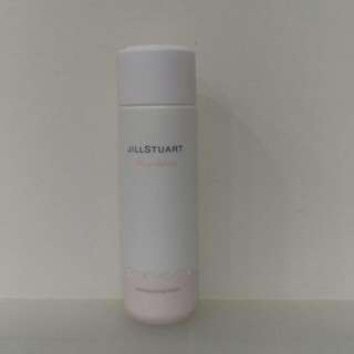 日本熱賣品JILLSTUART化妝水。原價$1300.只有1瓶特價$800。喜歡趕快帶回。用的水水哦~