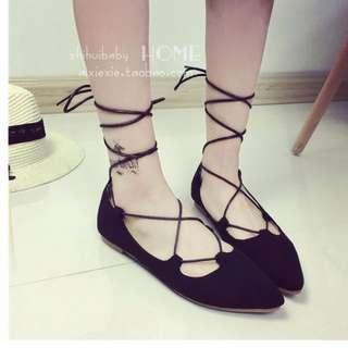 絨面系帶簍空女鞋