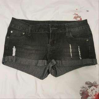UK2LA Shorts
