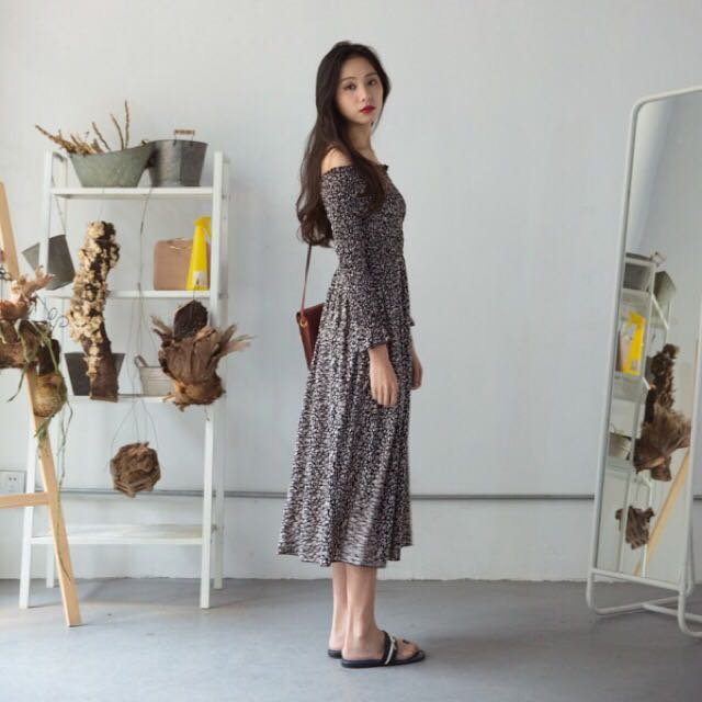 韓國一字領碎花鬆緊長洋裝