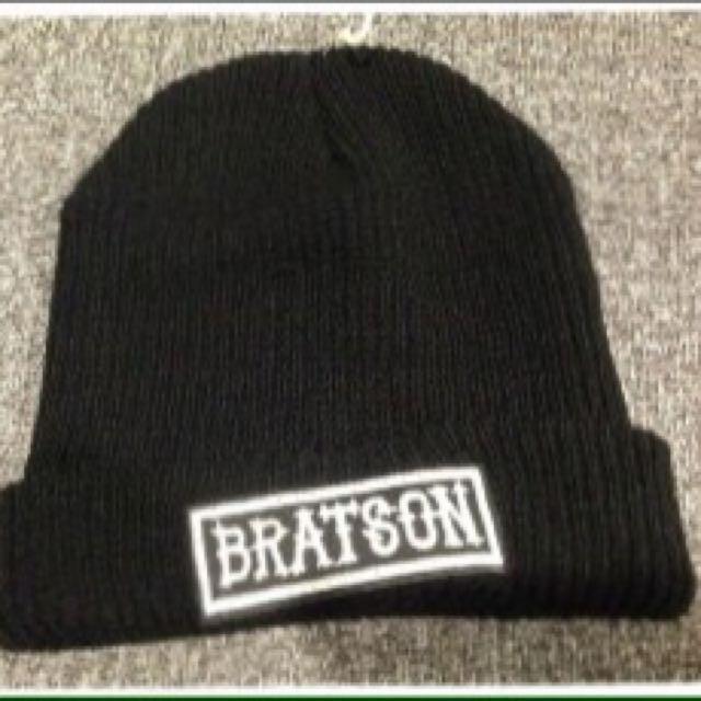 全新毛帽黑色