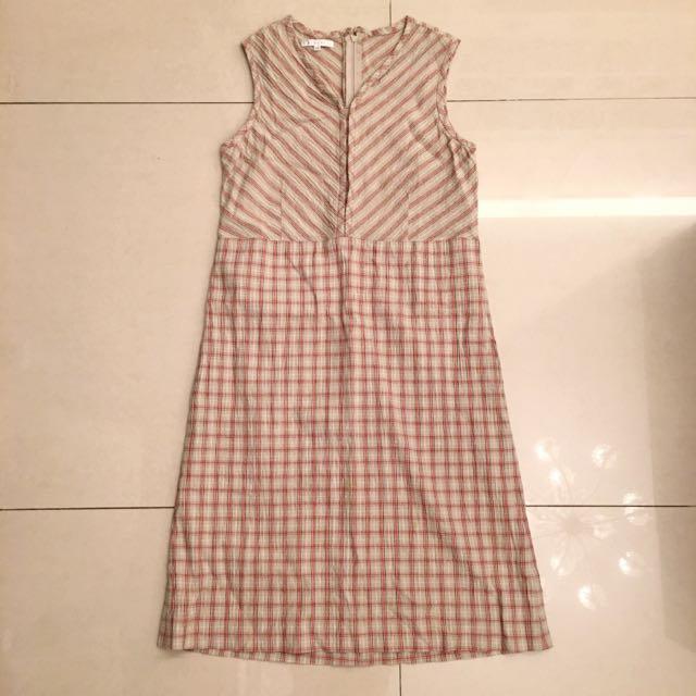 專櫃服飾出清 杏膚色 V領 鞋線條紋 格子紋 背心式 連身長裙 長洋裝