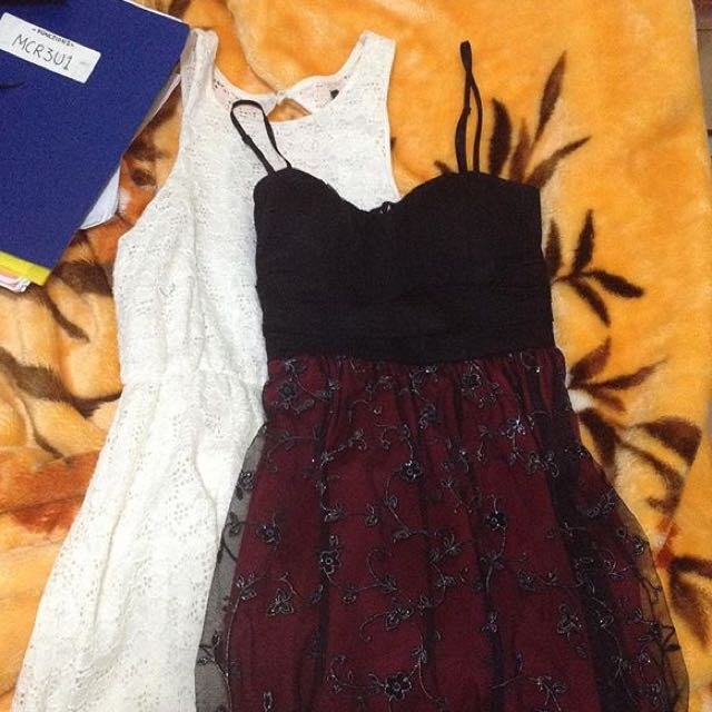 simple White Lace Dress And A red/black Formal Knee Length Dress