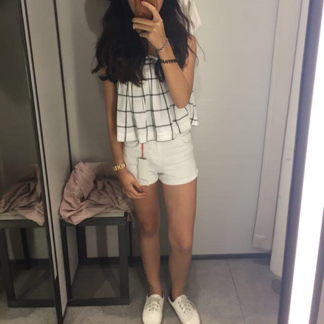Zara 高腰白色反折牛仔短褲