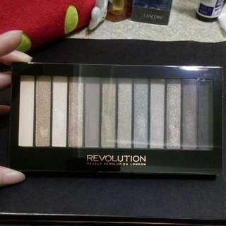 含運 Makeup Revolution Iconic2 (類naked 2)