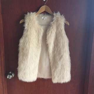 Cream Faux Fur Vest Size 8 Would Also Fit A 10