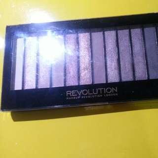 Makeup revolution 3 naled3 平價代替品