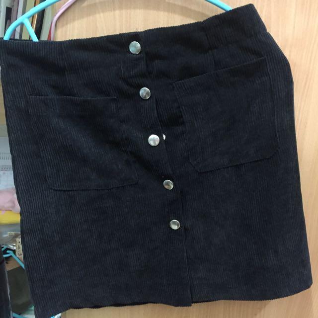 AA鈕扣裙