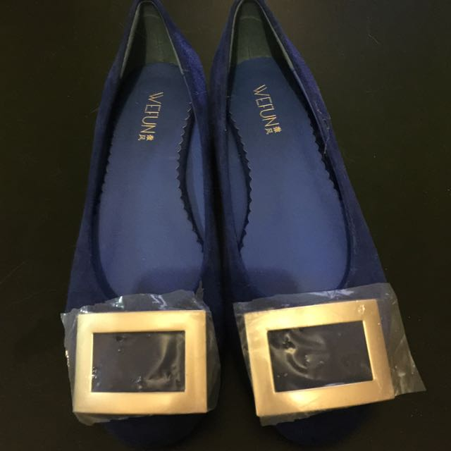 Brand New Navy Blue Flats Size 8