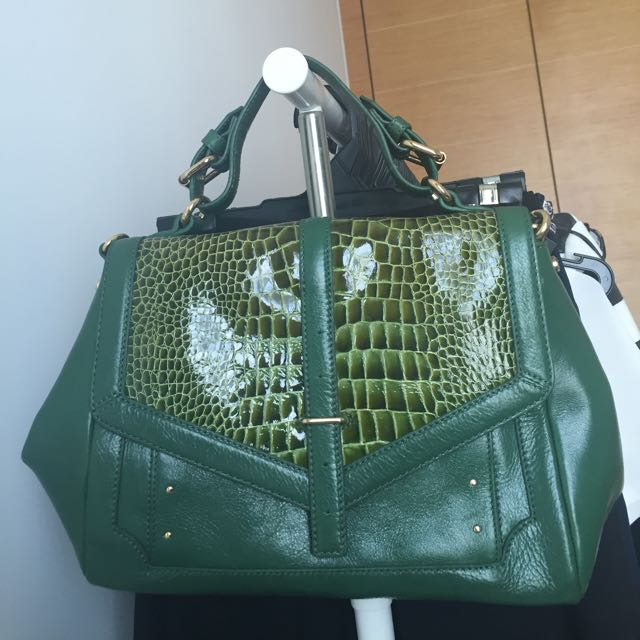 774c58dc7b15 Never Used AUTHENTIC Tory Burch 797 Green Leather Bag
