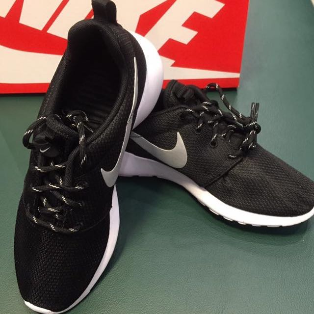 Nike Roush run 6號