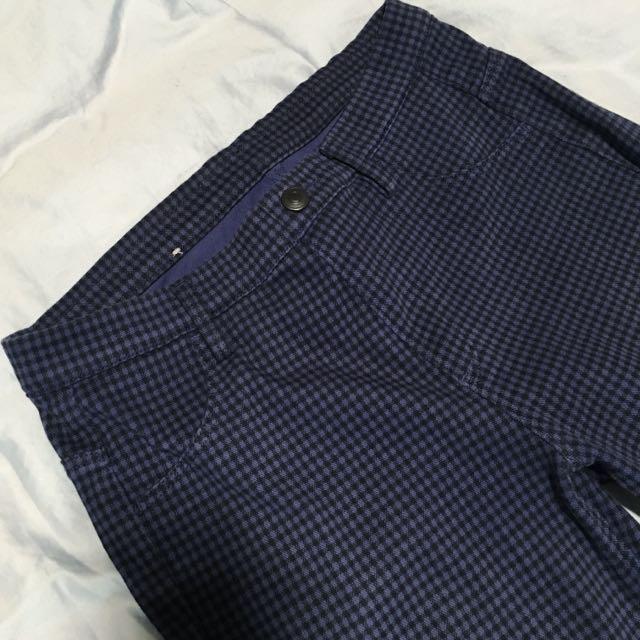 Uniqlo藍格子窄管褲