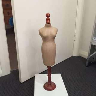 Mini Mannequin