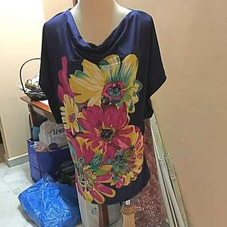 BNWT FLORAL TOP