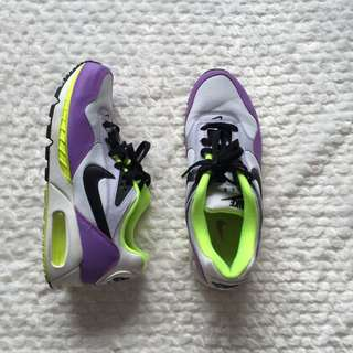 Women's Nike Airmax - US size 9
