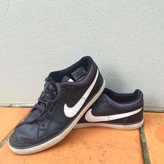 GREAT condition Nike