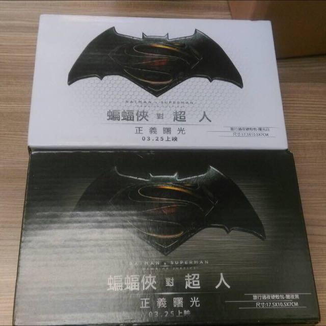 7-11蝙蝠俠 旅行過夜硬殼包 1組2個(黑白各1)(最後降價)