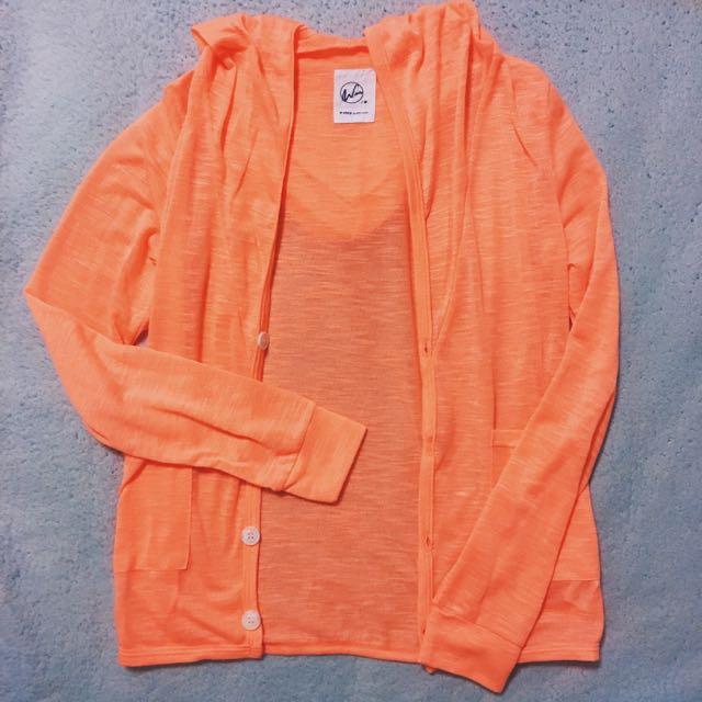 免運‼️螢光橘微透膚扣子外套💛