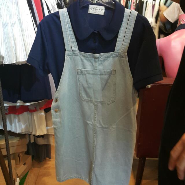 淺色牛仔吊帶裙 短袖襯衫