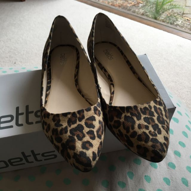 Betts Leopard Flat