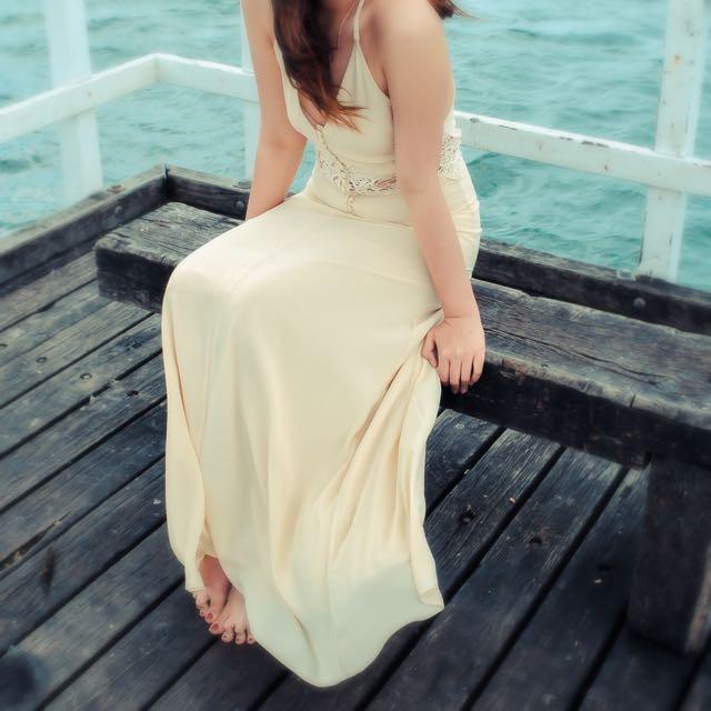 Jarlo Lace Maxi Dress