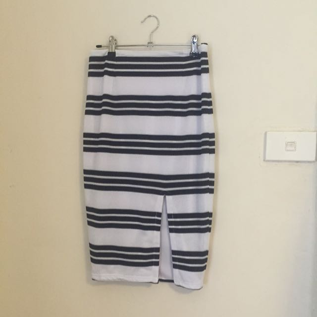 Runaway The Label Skirt Size 6