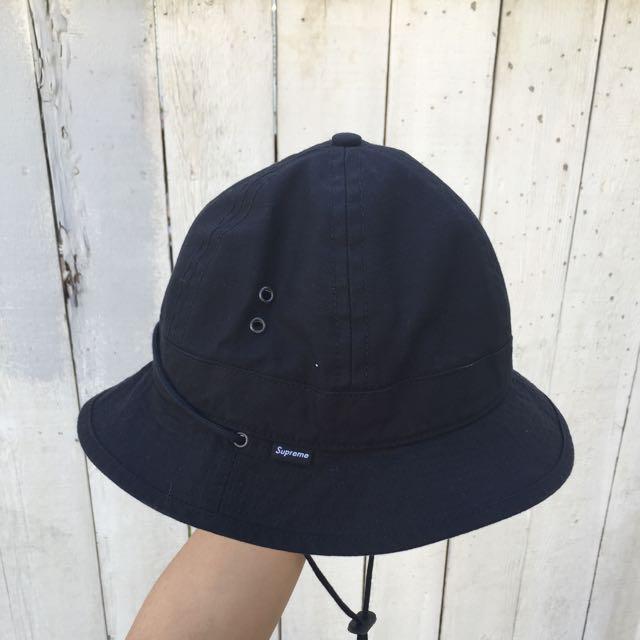 Supreme 漁夫帽