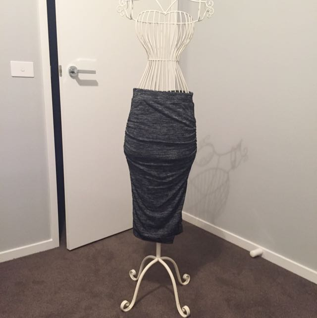 TEMT Fitted Skirt