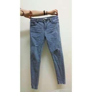 淺藍藍小腳牛仔褲