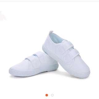 可愛魔鬼氈白色鞋子