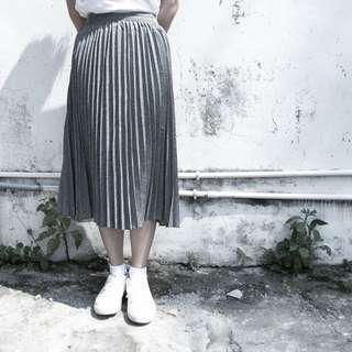 轉賣 Zebra Shop 灰 百折裙