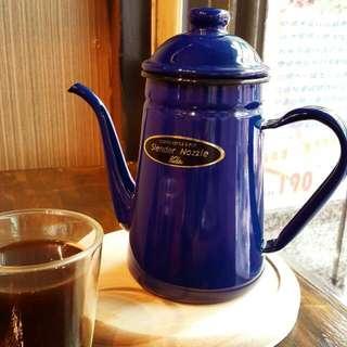 1000ml藍色細口砝瑯壺😊加贈巴拿馬藝妓咖啡豆