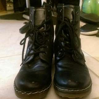 Black Fake Leather Boots