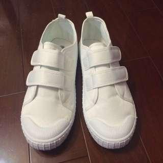 保留中 小白鞋(魔鬼氈)